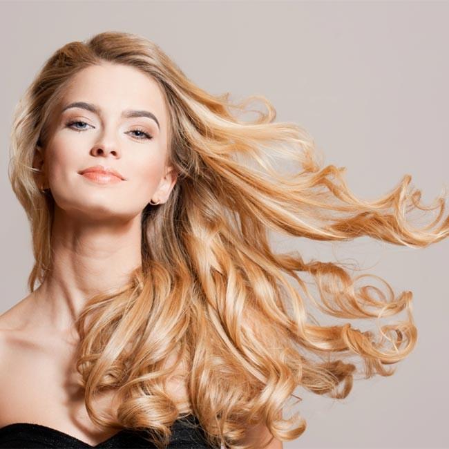 Mit den richtigen Vitaminen zu weniger Haarausfall